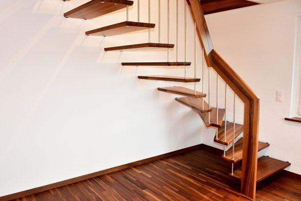 Zim Treppe 900px o5ecrmurkgrpegw9r5g5erzg9qdqelhhc7cbyi6duo - Zimmerei